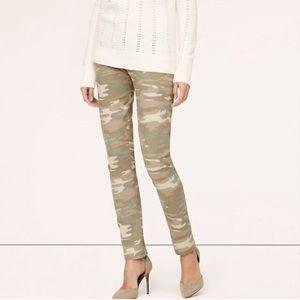 LOFT Desert Camo Relaxed Skinny Jeans 27/4
